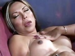 Tranny and guy in oralsex